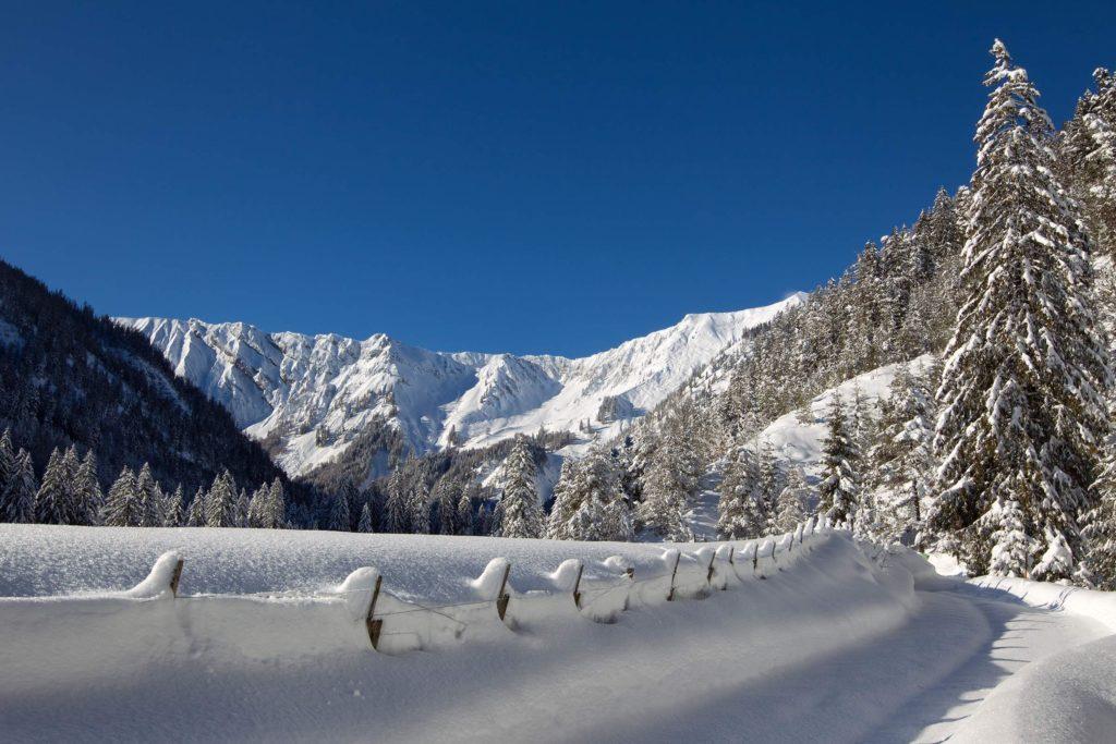 Winterwanderweg-ins-Achenkircher-Oberautal_Achensee-Tourismus-2400x1600px.min